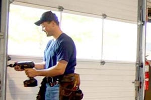 Things to Consider While Hiring a Garage Door Repair Professional
